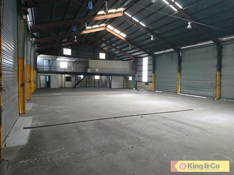 SOLID WAREHOUSE - EXCELLENT ACCESS