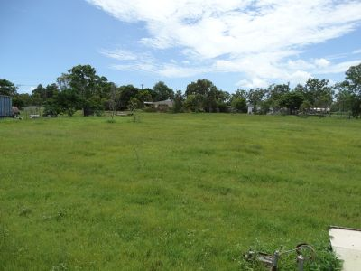 GREAT BLOCK OF LAND WITH A 49M FRONTAGE