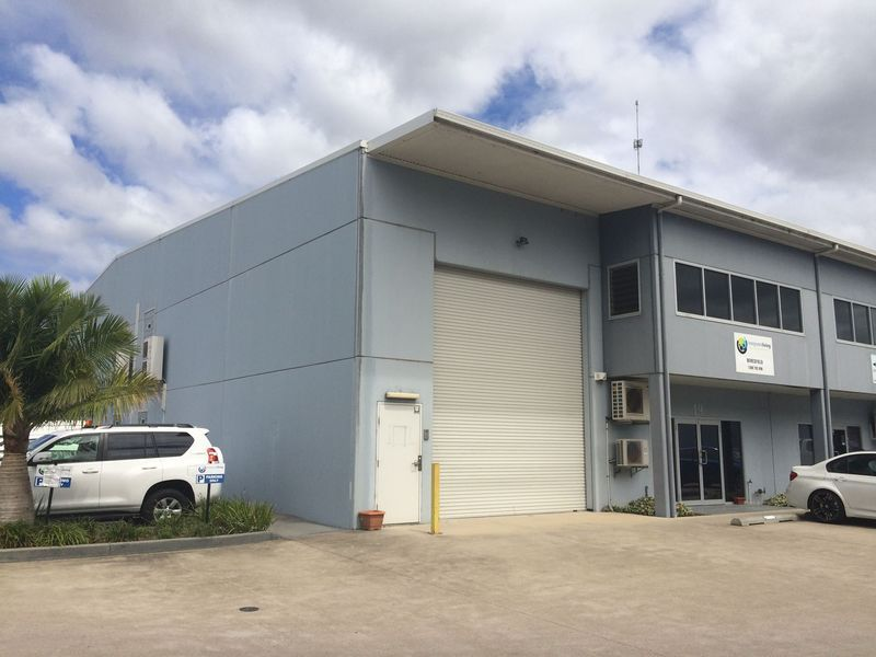 GREAT OFFICE SPACE AT WAREHOUSE RENT!