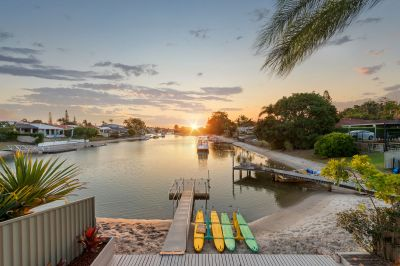 Spacious 4 Bedroom Waterfront Home with Direct Access to Main River