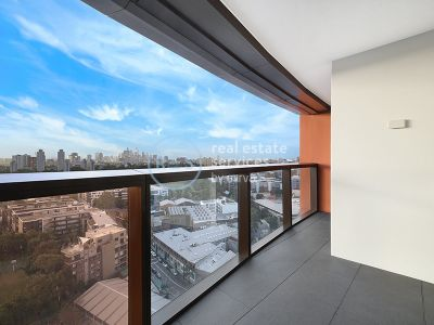 Spacious 2 Bedroom Apartment with Parking in Ovo
