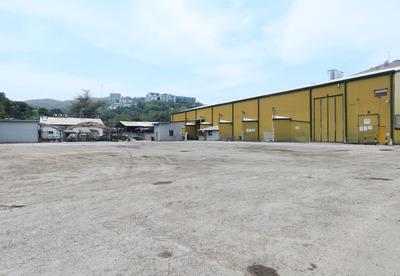 Asphalt-Sealed Storage and Hard Stand Yard