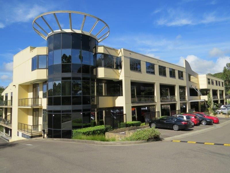 LARGE WELL PRESENTED GROUND LEVEL OFFICE – EXCEPTIONAL LOCATION