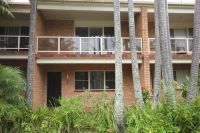 SPACIOUS TOWNHOUSE IN GOOD LOCATION.