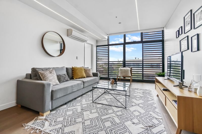 Fully Furnished Designer Apartment In The Heart Of Newtown *Meeting point CNR OF Erskineville & Wilson Street