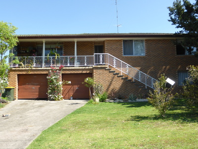 SPACIOUS FAMILY HOME WITH LOADS OF POTENTIAL