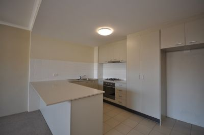 INNER CITY LIVING AT ITS BEST!! ONE WEEKS FREE RENT!