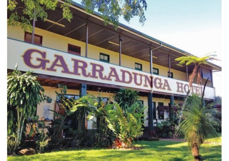 Famous Garradunga Hotel on 4.8 Acres with 4 Titles