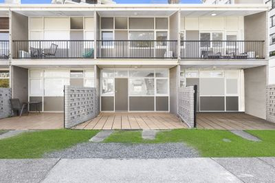 Broadbeach Beachside Townhouse  available furnished or unfurnished