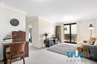= HOLDING DEPOSIT RECEIVED = MODERN AND AFFORDABLE APARTMENT