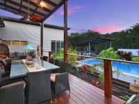 Modern residence in the Noosa Hinterland