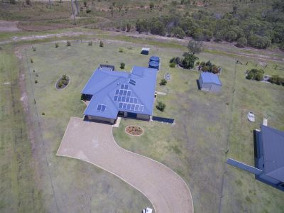 SMALL ACREAGE WITH PURPOSE BUILT 340M2 DUAL LIVING DREAM HOME…. BRILLIANT DESIGN!