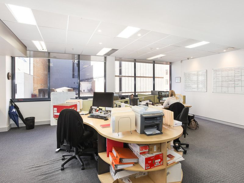 Randstad House, immaculate office.