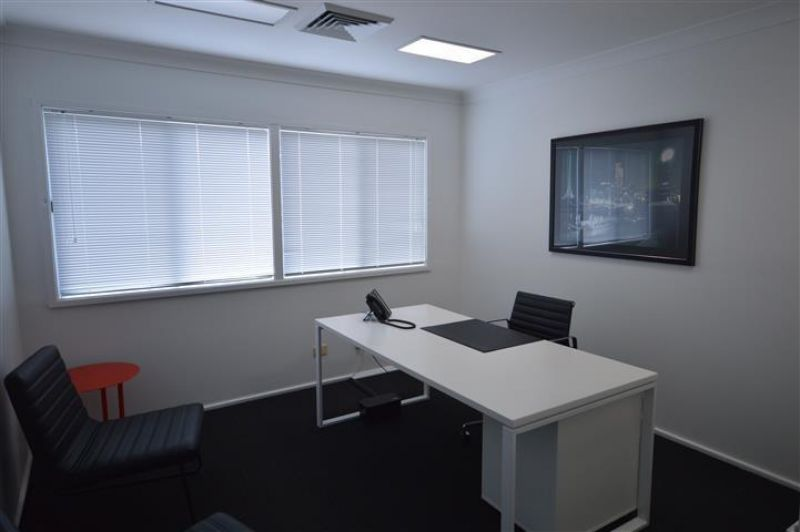 IDEAL OFFICE - GREAT CONDITION