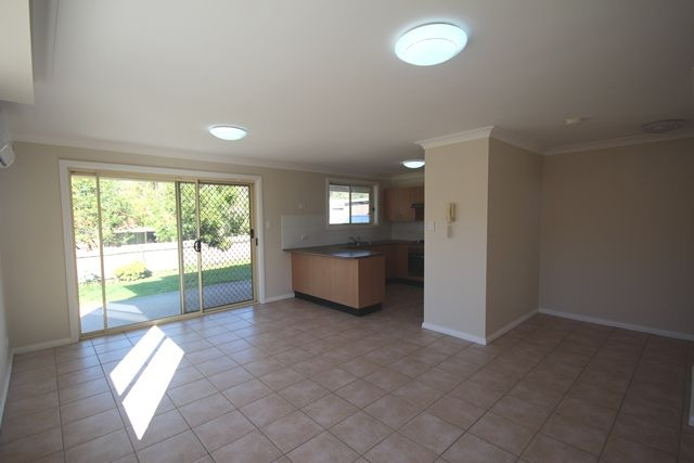 12 Swan Circuit, Green Valley NSW 2168
