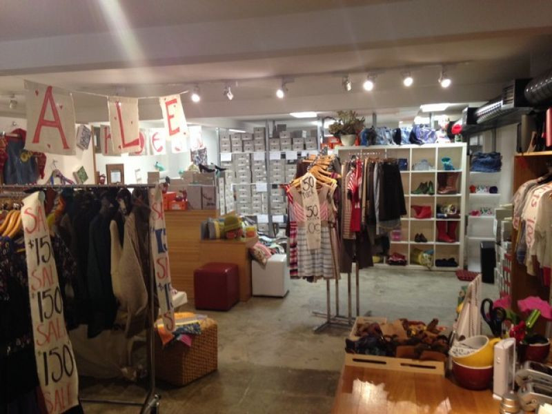 IDEAL COMMERCIAL SPACE / RETAIL SPACE !