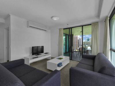 Location at its best! Fully furnished spacious top floor apartment