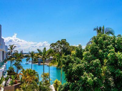 Luxury Relaxed Resort Living