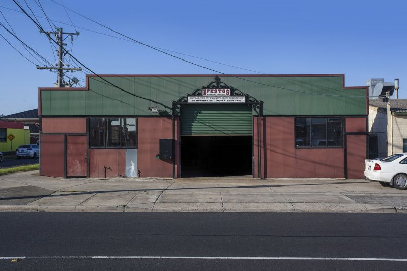 GREAT CORNER OPPORTUNITY IN THE HEART OF CLAYTON