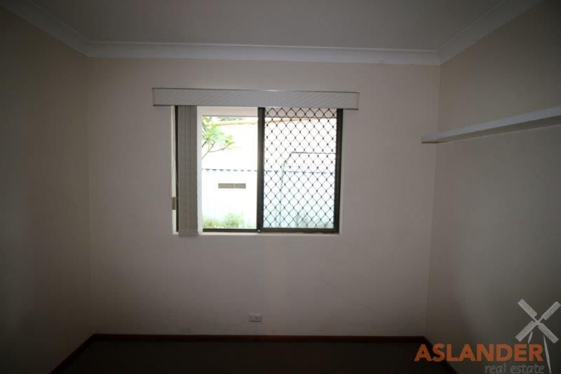 WELL MAINTAINED VILLA - CONVENIENTLY LOCATED TO PUBLIC TRANSPORT AND SHOPS