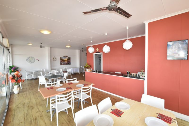 :: RESTAURANT / CAFE OPPORTUNITY ... HIGH PROFILE PREMISES WITH KITCHEN FACILITIES