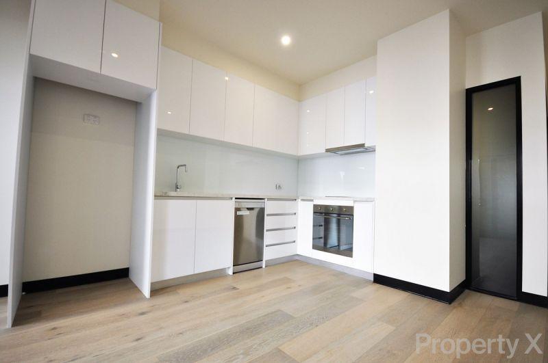 One Bedroom Apartment on Flinders Lane!