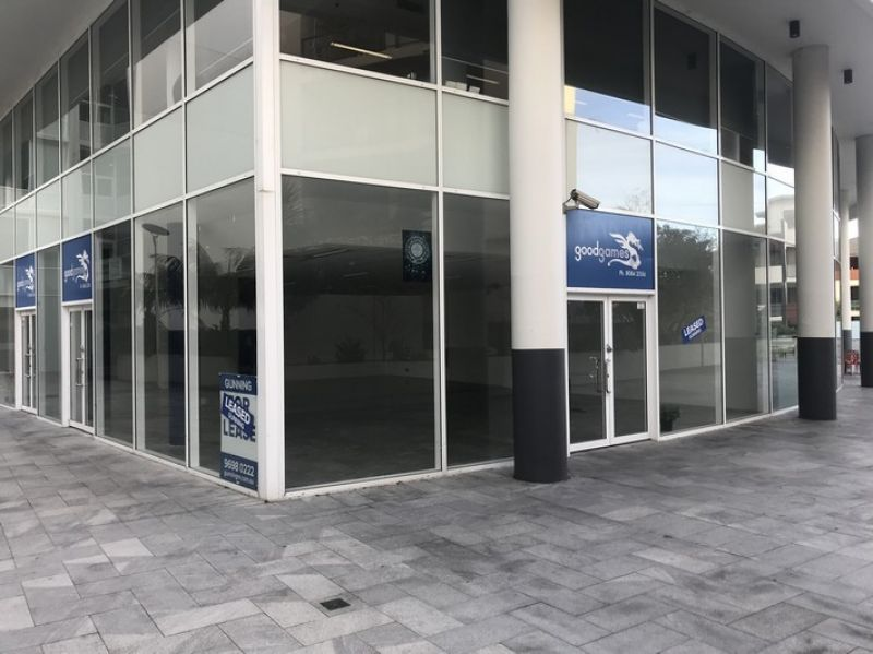 GROUND FLOOR COMMERCIAL SPACE!