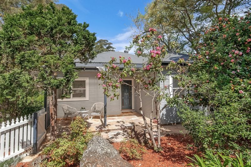 Easy maintenance cottage in central location
