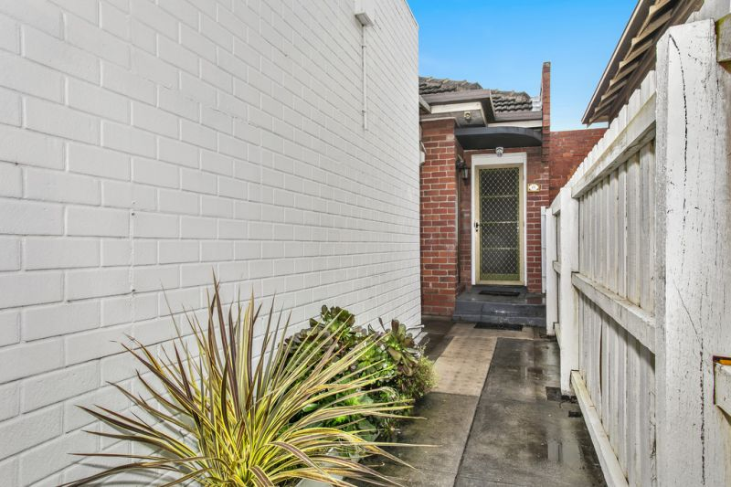 21 Ormond Road East Geelong