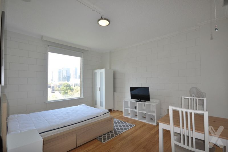 PRIVATE INSPECTION AVAILABLE - Recently Renovated Studio
