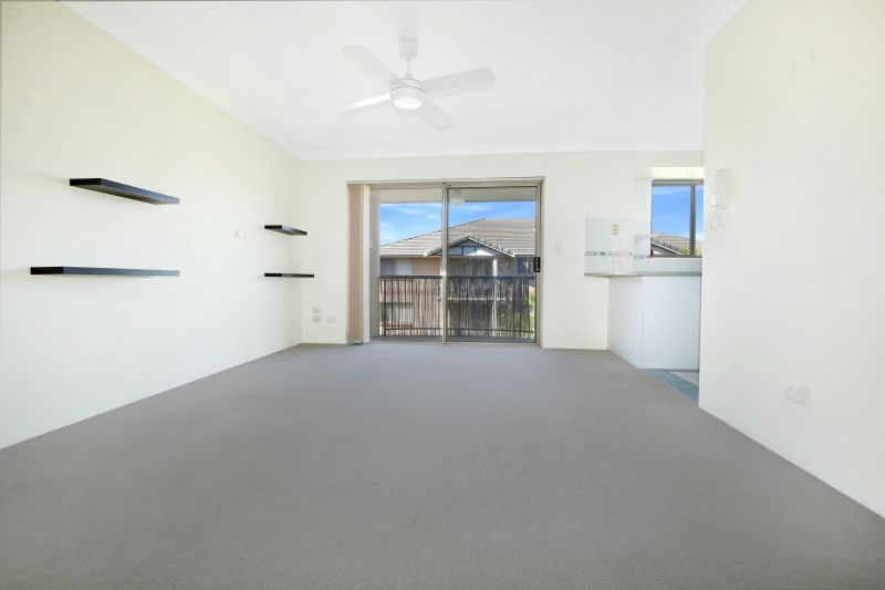 Secure top level apartment in a convenient location