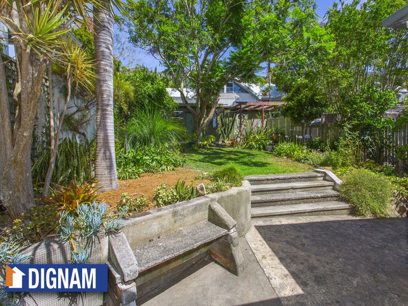 728 Lawrence Hargrave Drive, Coledale NSW