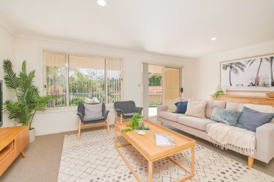 Shelly Beach Townhouse Minutes from Five Fabulous Beaches