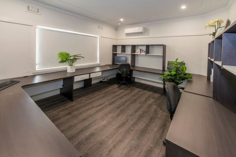 PROFESSIONAL ROOMS