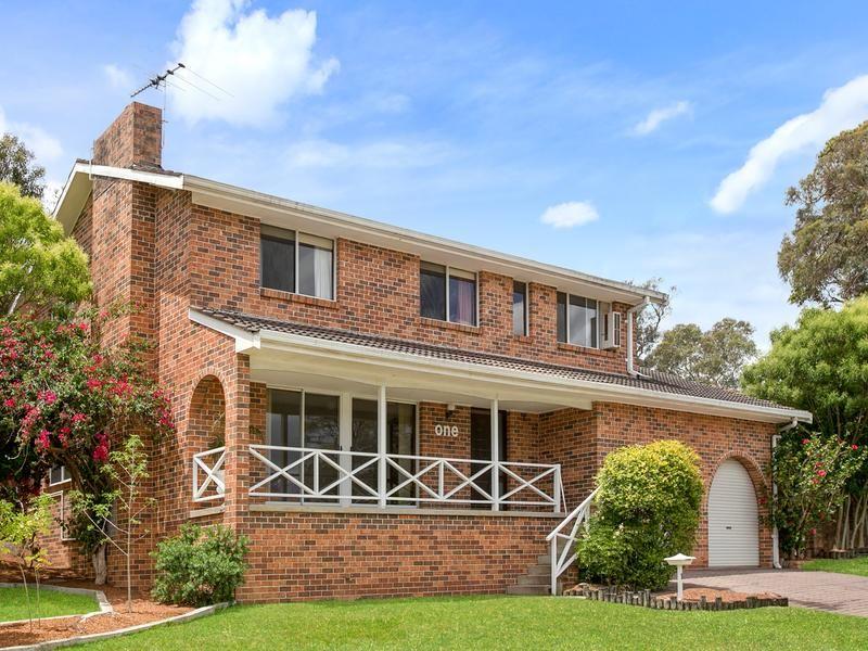 1 Lindwall Close, Menai NSW 2234