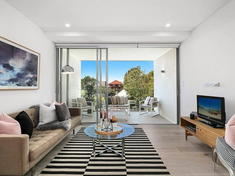 Quiet East Facing Oversized Studio in the Exclusive 88 Kensington