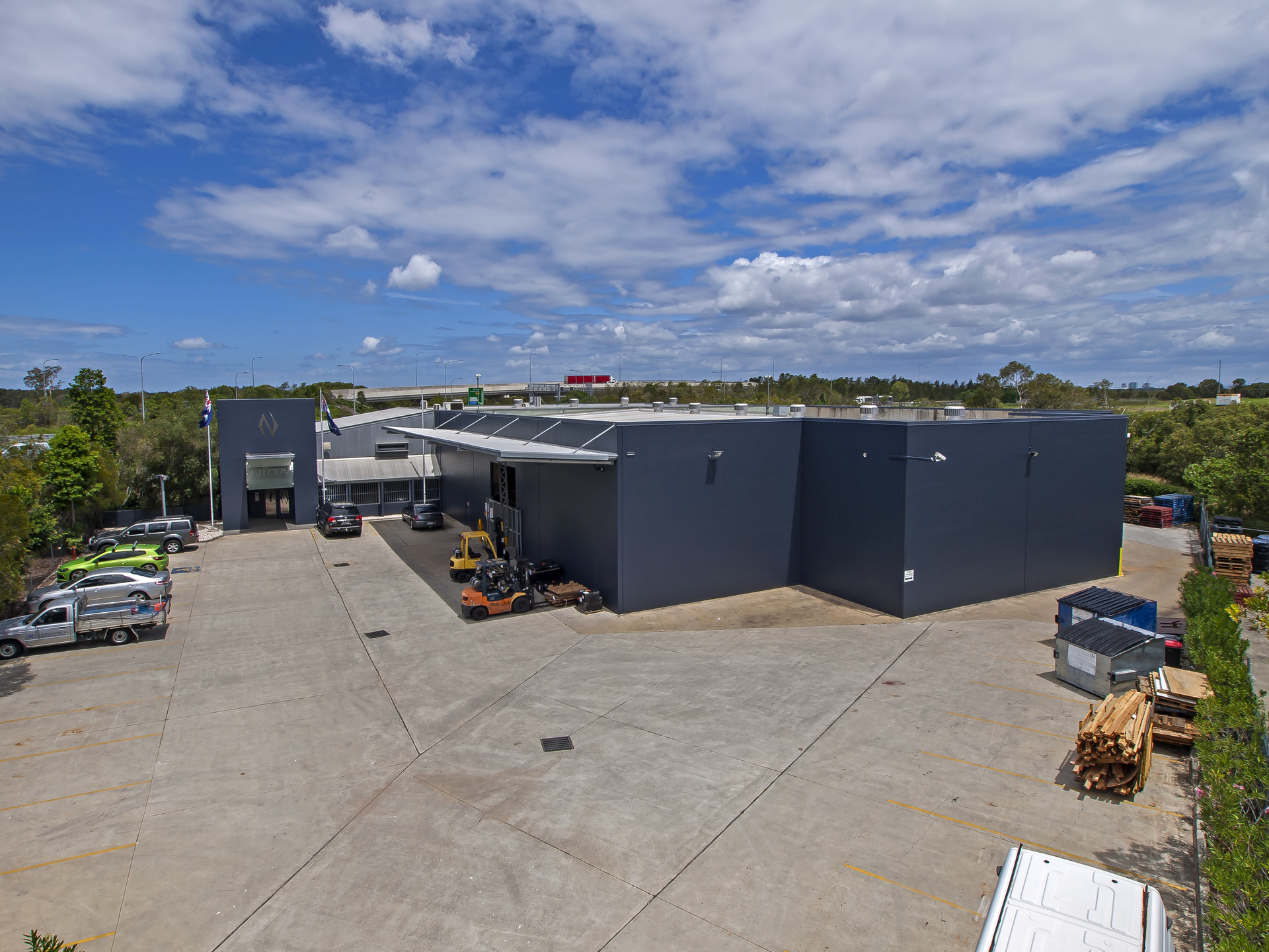 Modern, Secure Warehouse with Gateway Motorway Exposure
