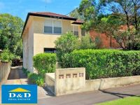 Large 2 Bedroom Unit. Close To River Foreshore. Modern Kitchen. Small Quiet Block. Only 10 minutes Walk To Parramatta CBD.