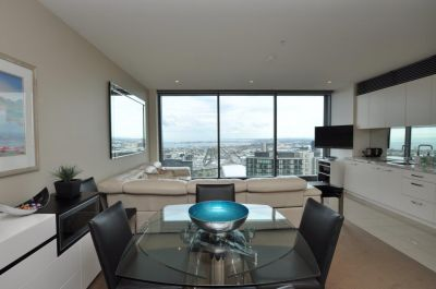 Freshwater Place: 48th Floor - Luxury Southbank Living!