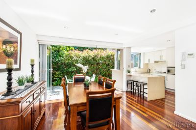 LUXURIOUS FAMILY SIZED TOWNHOUSE WITH NORTH FACING GARDEN