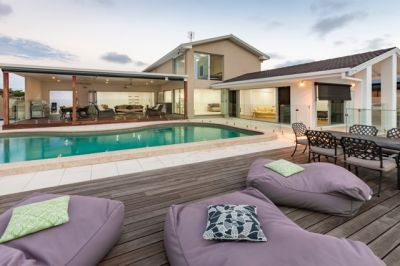 Magnificent furnished waterfront home