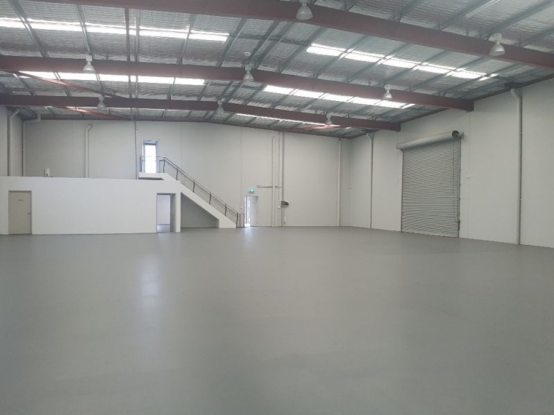 HIGHLY EXPOSED OFFICE / WAREHOUSE WITH UNDERCOVER LAYDOWN AREA