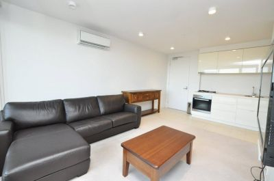 33M: Perfectly Located One Bedroom Apartment!