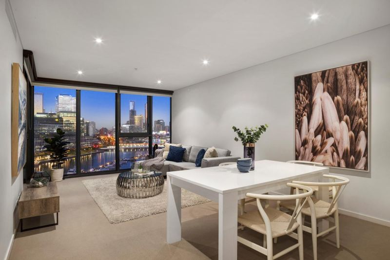 Picture Perfect Parkside Pad with Irresistible City Vistas