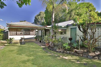 Potential Granny Flat, Sheds, Dual Street Access and Walk to Riverlink!