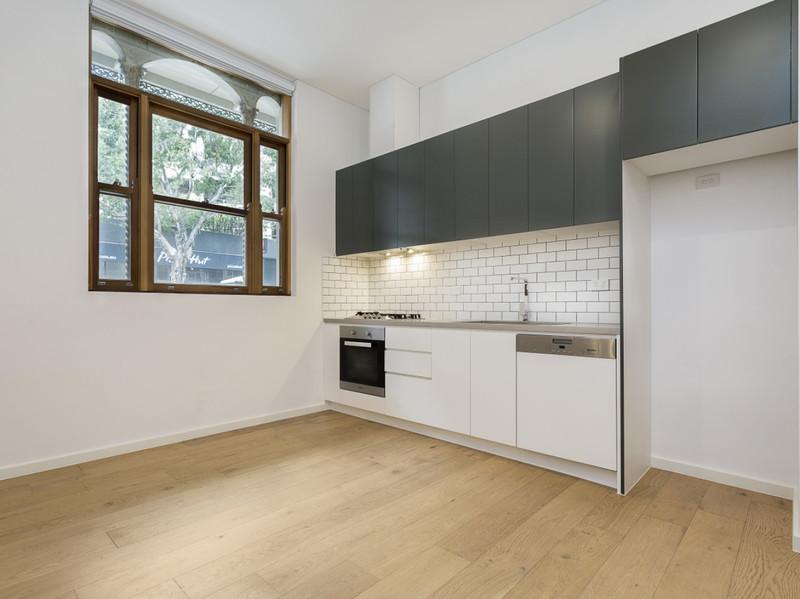 Near New Apartment - Perfect Location!