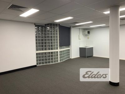 HIGHLY EXPOSED OFFICE/MEDICAL - FRESHLY REFURBISHED!