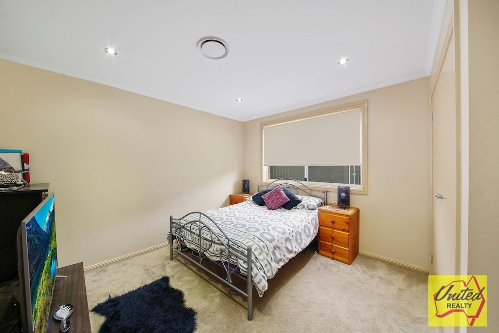 12 Discovery Circuit Gregory Hills 2557