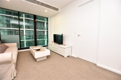 Furnished One Bedroom Apartment in Melbourne One!