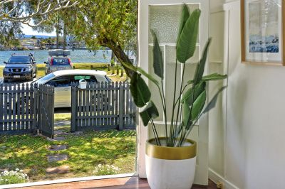 BUDDS BEACH HOLIDAY HOUSE, FIRST TIME OFFERED FOR SALE - MARINA
